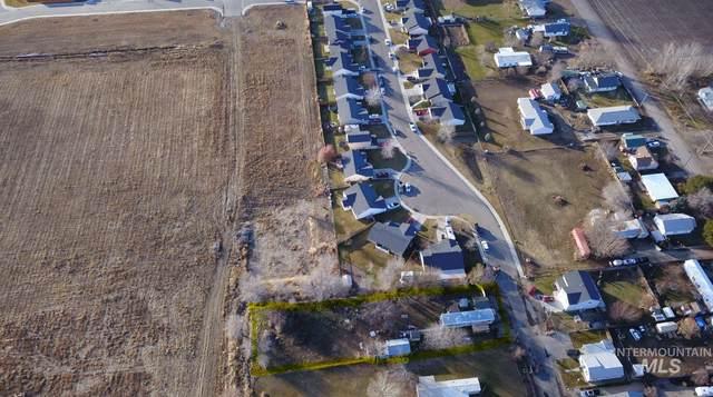 611 Prince Ave, Wilder, ID 83676 (MLS #98790061) :: Idaho Real Estate Pros