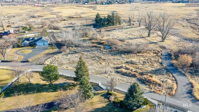 2484 E Pole Line Road, Twin Falls, ID 83301 (MLS #98790589) :: Hessing Group Real Estate