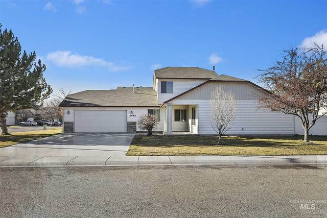 17659 Monarch Way, Nampa, ID 83687 (MLS #98790992) :: The Bean Team