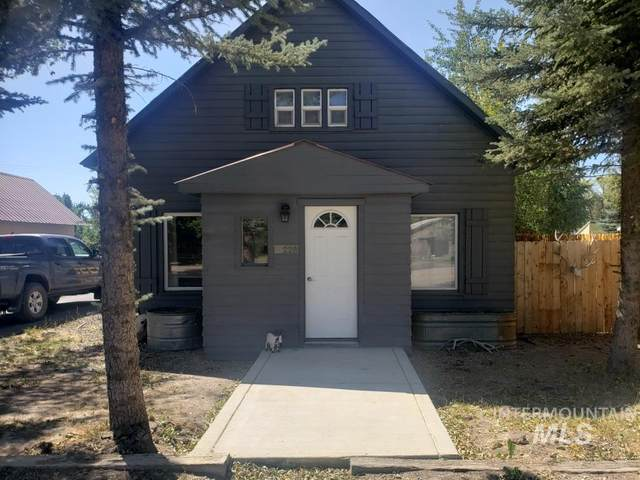 228 W Sage Ave, Fairfield, ID 83327 (MLS #98791036) :: Boise River Realty