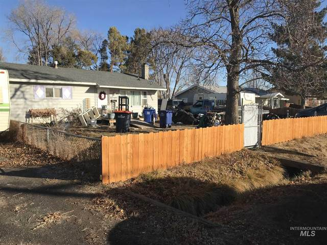 1727 4th Ave E, Twin Falls, ID 83301 (MLS #98791091) :: City of Trees Real Estate