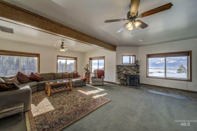12600 Goode Lane, Donnelly, ID 83615 (MLS #98791134) :: The Bean Team
