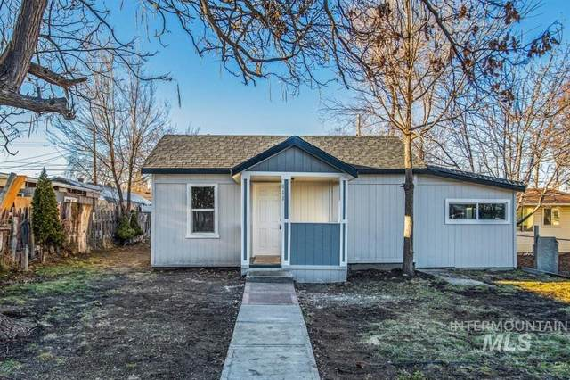 111 21st Ave S, Nampa, ID 83651 (MLS #98791232) :: Boise Home Pros