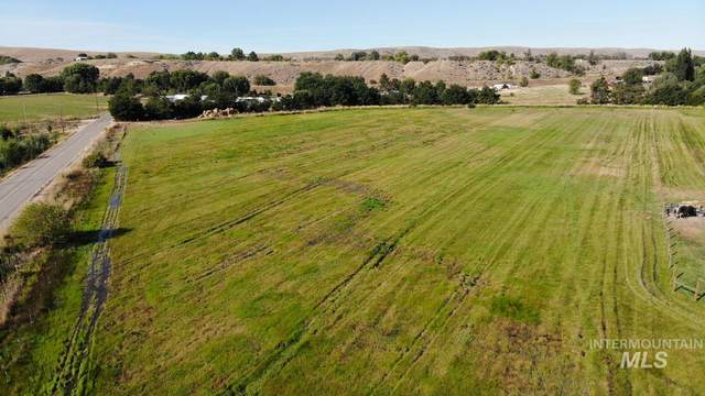 TBD Lot 1 Greysen Lane, Emmett, ID 83617 (MLS #98791297) :: Minegar Gamble Premier Real Estate Services