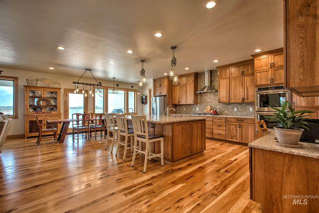 2167 E 4420 N, Filer, ID 83328 (MLS #98791494) :: Juniper Realty Group