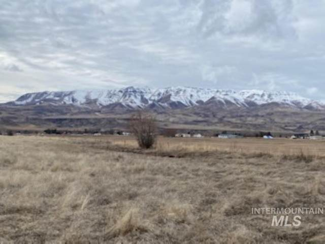 TBD Sweet-Ola, Emmett, ID 83670 (MLS #98793961) :: Minegar Gamble Premier Real Estate Services