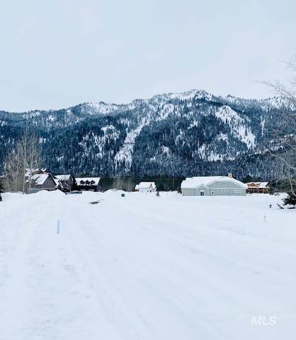 13124 Hawks Bay Road, Donnelly, ID 83615 (MLS #98794022) :: Epic Realty