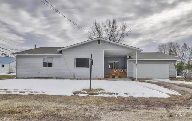 123 Canyon Street, Horseshoe Bend, ID 83629 (MLS #98794058) :: Juniper Realty Group