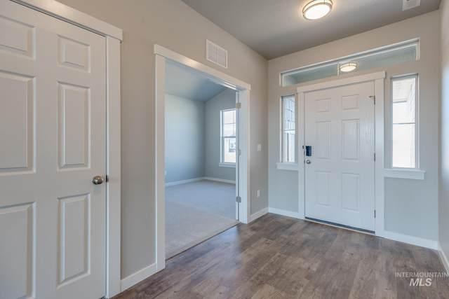 874 W Smallwood Ct, Kuna, ID 83634 (MLS #98794505) :: Build Idaho