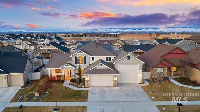 1178 W Bear Track Dr, Meridian, ID 83642 (MLS #98795106) :: First Service Group