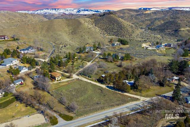 6021 N Eugene Ln, Boise, ID 83703 (MLS #98795115) :: First Service Group