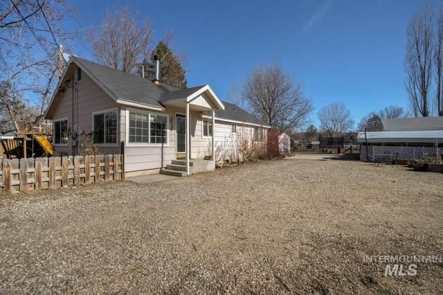 916 Williams Road, Emmett, ID 83617 (MLS #98795233) :: Build Idaho