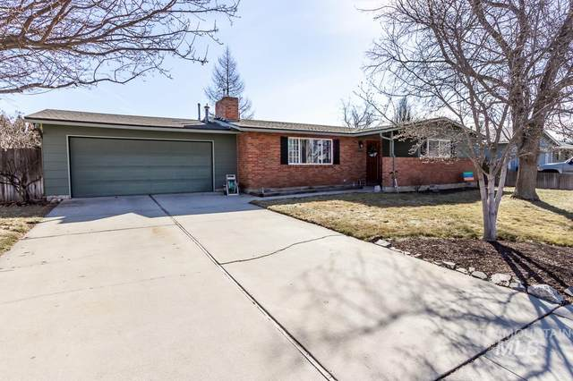 3266 N Pepperwood Dr, Boise, ID 83704 (MLS #98795436) :: Michael Ryan Real Estate