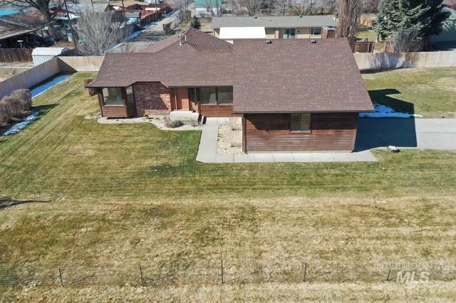 909 E 13th N, Mountain Home, ID 83647 (MLS #98795489) :: Story Real Estate