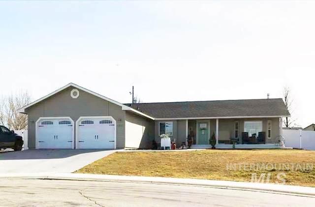 1711 W Boise, Kuna, ID 83634 (MLS #98795532) :: Idaho Real Estate Pros