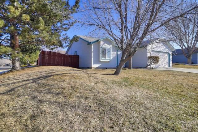 3832 E Sweet Pea, Boise, ID 83716 (MLS #98795592) :: New View Team