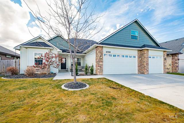 10745 W Hidden Brook Dr, Star, ID 83669 (MLS #98795839) :: Bafundi Real Estate