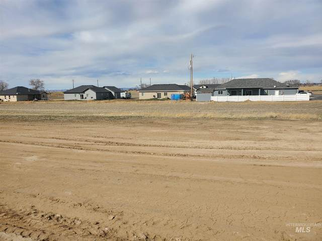 Approx 420,440, 6th Ave W, Wendell, ID 83355 (MLS #98796320) :: Michael Ryan Real Estate