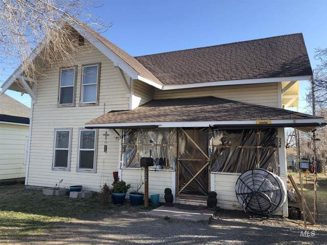 220 8th Ave. S., Buhl, ID 83316 (MLS #98796560) :: The Bean Team