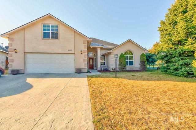 1077 W Big Creek Circle, Nampa, ID 83686 (MLS #98796725) :: Boise Home Pros