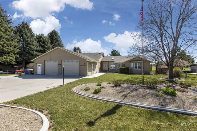 15071 Griffin Ln, Caldwell, ID 83607 (MLS #98797421) :: Team One Group Real Estate