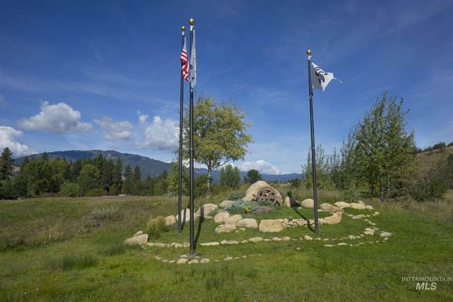 Lot 26 Blk 7 Singing Stream Way, Garden Valley, ID 83622 (MLS #98797436) :: Bafundi Real Estate