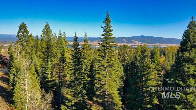 258 Pinnacle Court, Donnelly, ID 83615 (MLS #98798149) :: City of Trees Real Estate
