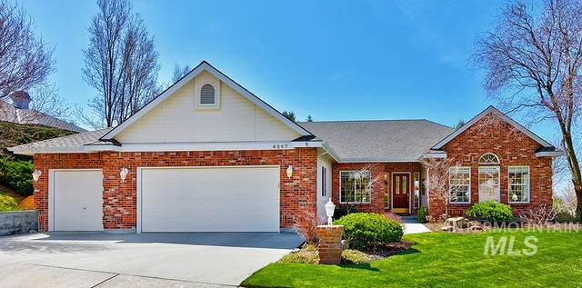 4267 W Quail Ridge Dr, Boise, ID 83703 (MLS #98798232) :: Bafundi Real Estate