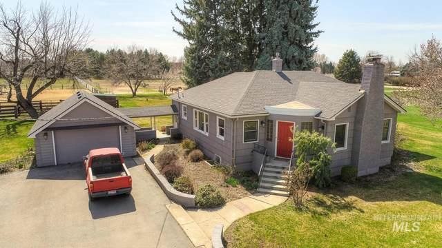 1143 E Beacon Light Rd, Eagle, ID 83616 (MLS #98798405) :: Story Real Estate