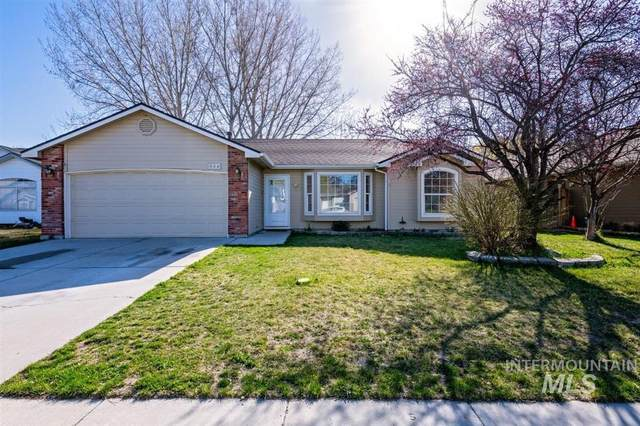 584 N Shady Grove, Kuna, ID 83634 (MLS #98798663) :: Bafundi Real Estate