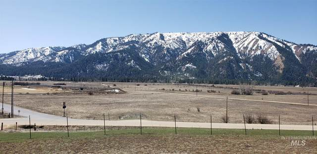1048 Banks Lowman Rd, Garden Valley, ID 83622 (MLS #98798693) :: Story Real Estate