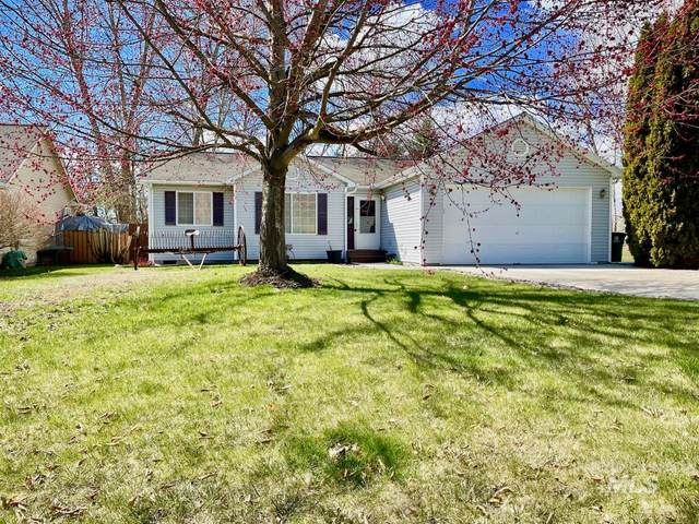 831 S Meadow, Moscow, ID 83843 (MLS #98799279) :: City of Trees Real Estate
