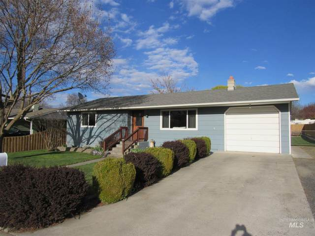 3715 14th St. E, Lewiston, ID 83501 (MLS #98799302) :: Jon Gosche Real Estate, LLC