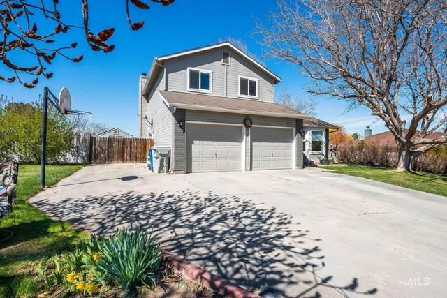 2611 Crestwood Place, Nampa, ID 83686 (MLS #98799336) :: Michael Ryan Real Estate