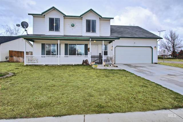 1855 N Sparrow Hawk Ave, Kuna, ID 83634 (MLS #98799417) :: The Bean Team