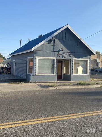201 E 1ST, Glenns Ferry, ID 83623 (MLS #98799507) :: First Service Group