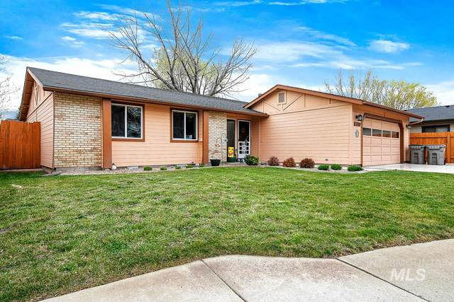 8097 W Canterbury Ct, Boise, ID 83704 (MLS #98799564) :: Boise Valley Real Estate
