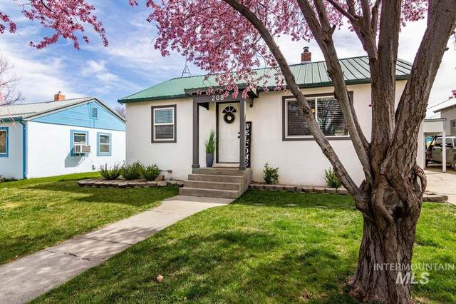 208 W. Park Ave., New Plymouth, ID 83655 (MLS #98799582) :: The Bean Team