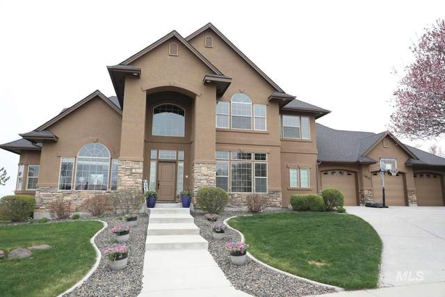 2810 S Bayhill Ct, Nampa, ID 83686 (MLS #98799657) :: New View Team