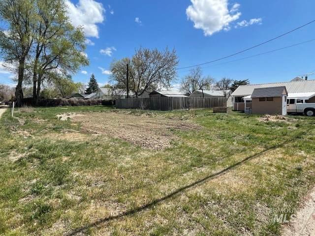 924 W 7th Street, Weiser, ID 83672 (MLS #98799678) :: Michael Ryan Real Estate