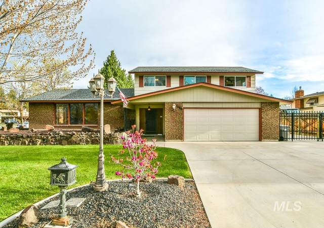 7680 W Cherrywood Dr, Boise, ID 83704 (MLS #98799760) :: Shannon Metcalf Realty