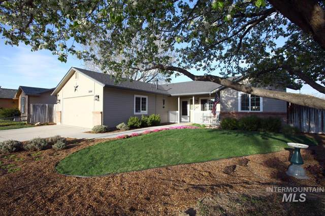 1004 N. Scrivner Way, Meridian, ID 83642 (MLS #98799828) :: The Bean Team