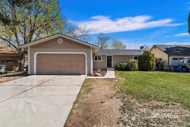 2702 N Reno Way, Boise, ID 83704 (MLS #98799836) :: Shannon Metcalf Realty