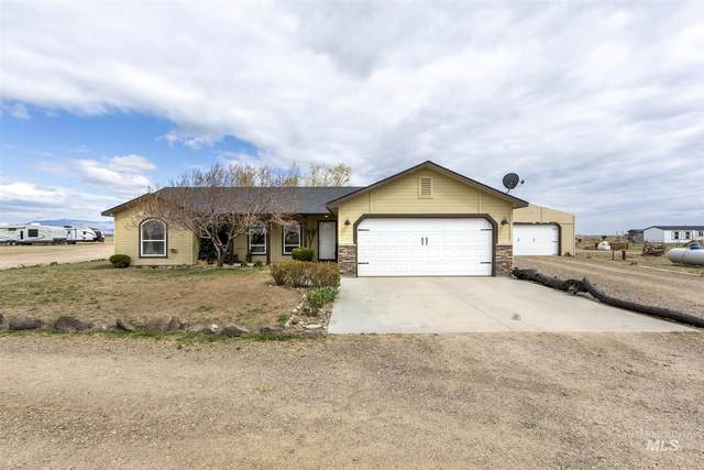 6910 SW Jarvis, Mountain Home, ID 83647 (MLS #98799879) :: Juniper Realty Group