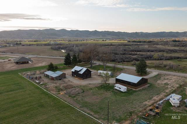 974 E Idaho Blvd, Emmett, ID 83617 (MLS #98799925) :: Boise River Realty