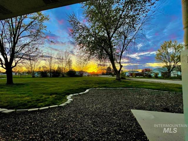 16650 Portner, Nampa, ID 83651 (MLS #98799947) :: Bafundi Real Estate