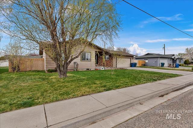 1435 N 3rd E, Mountain Home, ID 83647 (MLS #98800340) :: Epic Realty