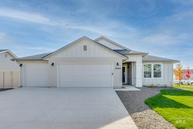 1366 W Pendulum Cove Dr, Kuna, ID 83634 (MLS #98800405) :: First Service Group