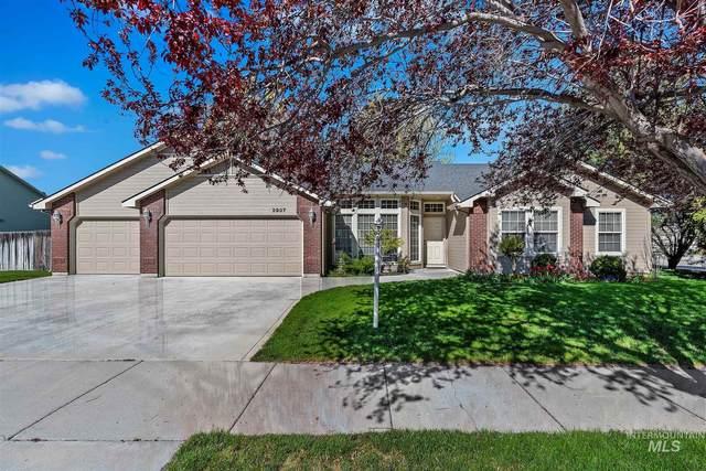 2937 S Hood Ranch Ave, Meridian, ID 83642 (MLS #98800444) :: Epic Realty
