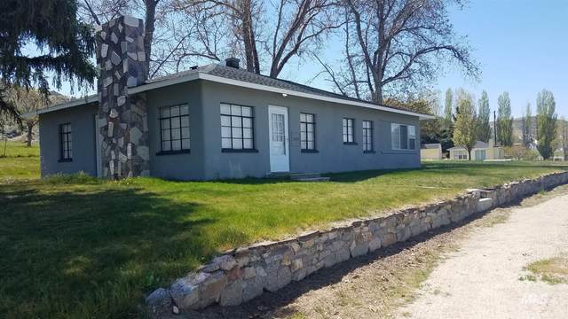 2625 South Slope Dr., Emmett, ID 83617 (MLS #98800457) :: New View Team